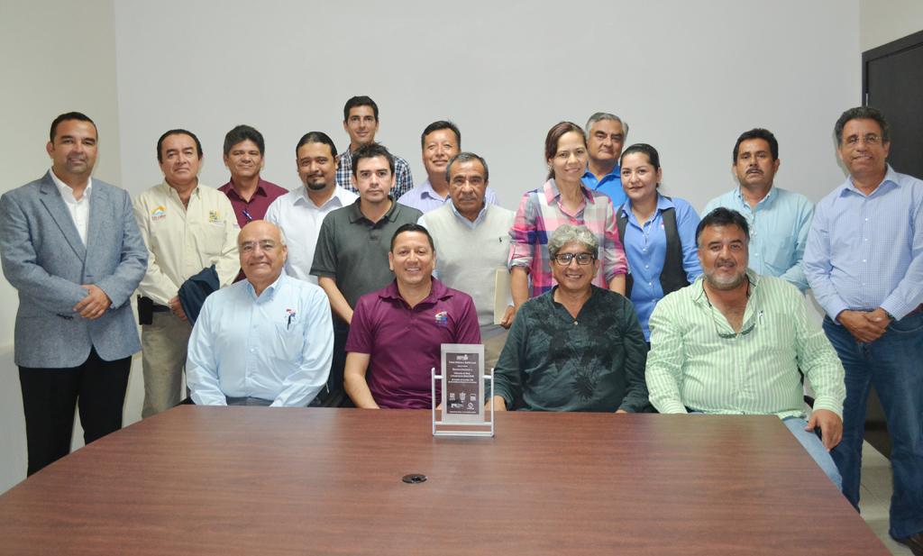 """FOIS Los Cabos recibe premio """"Gobierno y Gestión Local 2014"""""""